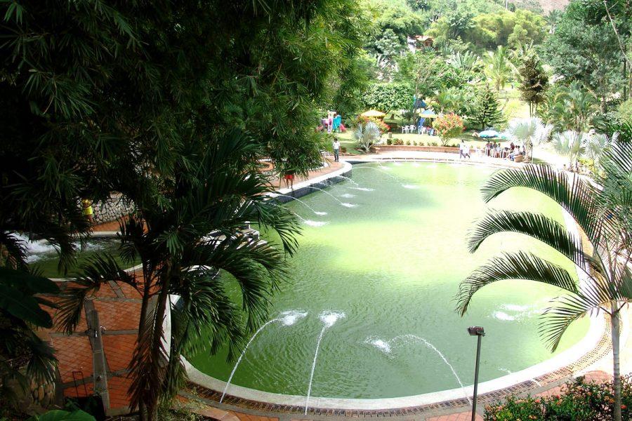 Piscinas Naturales en Rionegro, Santader. Club El Portal