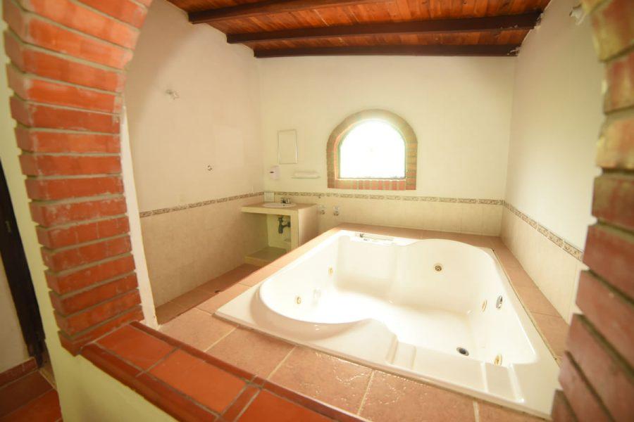 Jacuzzi Habitación Principal - Casa Roja